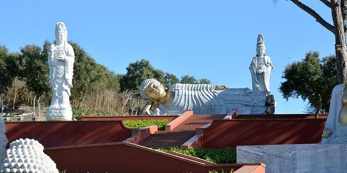 Destino bacalh a buddha eden - Buda jardin ...