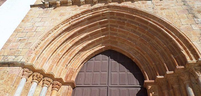Concluída a intervenção no portal principal da antiga Sé de Silves